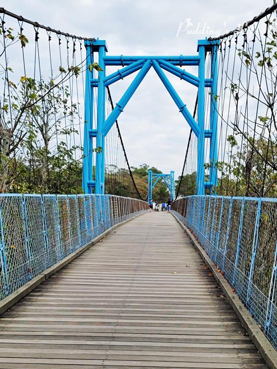 銅鑼天空步道藍色吊橋