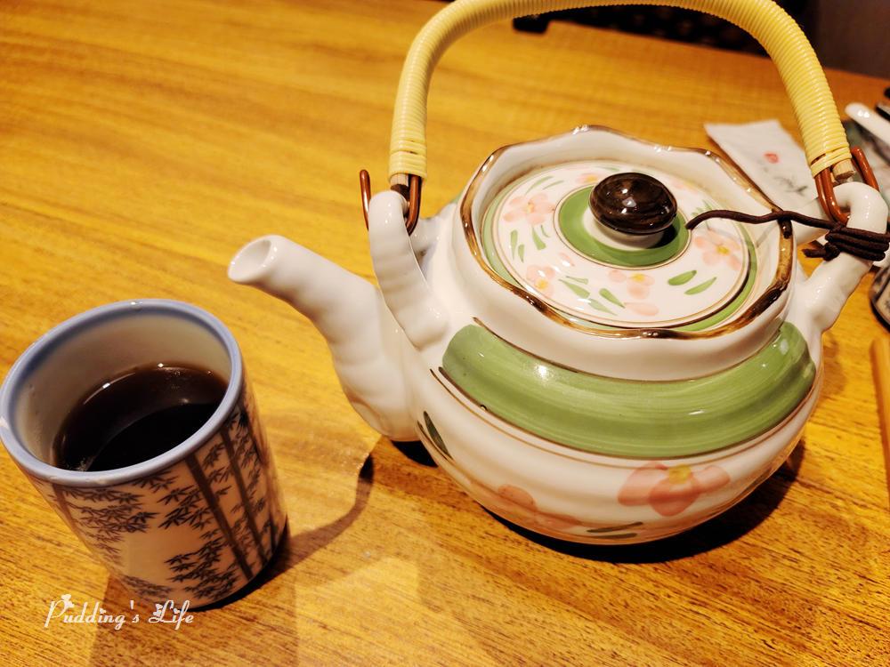 八庵壽司割烹-熱茶