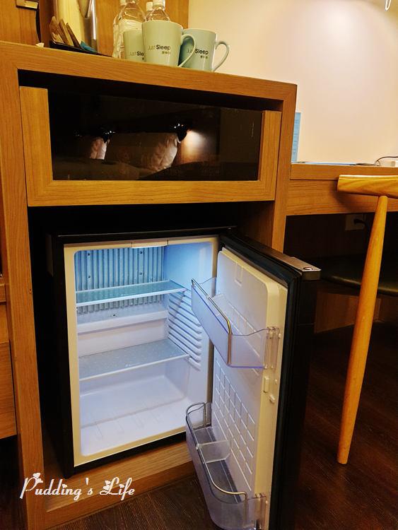 高雄捷絲旅-小冰箱