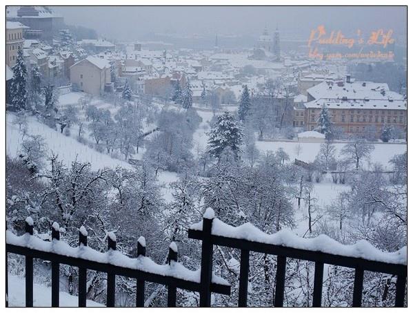 【捷克-遊】浪漫雪國捷奧十日《布拉格城堡區》Day6上半場百塔之城