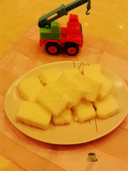【食譜 做法】簡易家常小甜點《椰香雪花糕》鮮奶雪花涼糕