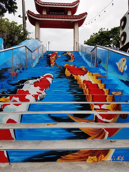 【花蓮旅遊】韓國梨花洞壁畫在台重現《鯉魚彩繪樓梯》北濱福天宮彩繪牆