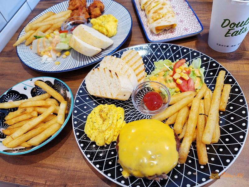 新竹美食│ 双食早午餐Double Eats》平價早餐店也有美麗擺盤和裝潢