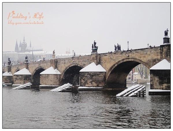 【捷克-遊】浪漫雪國捷奧十日《布拉格查理士橋》Day6下半場遊伏爾他瓦河